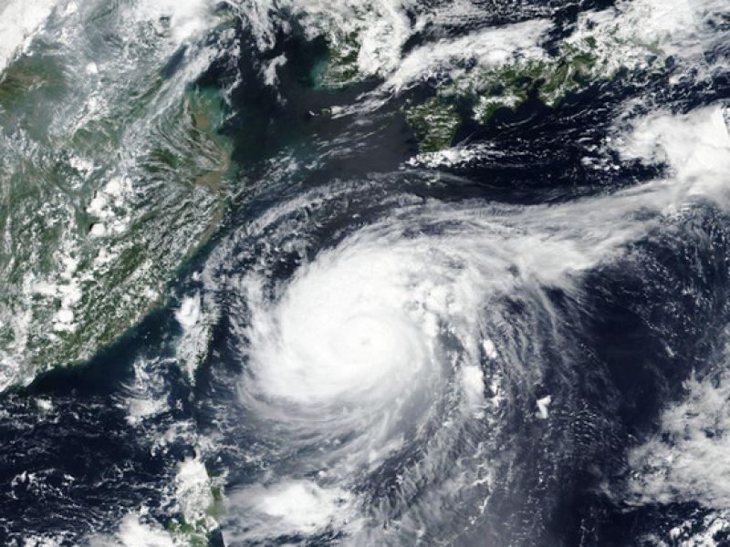 Tin bão mới nhất: Bão Maysak tàn phá Nhật Bản