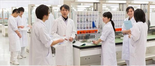 du học Nhật Bản ngành dược